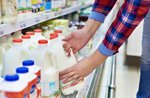 Региональные производители молока выступают за жесткую самоизоляцию и готовятся к снижению цен