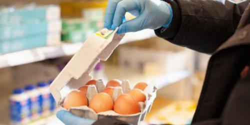 В настоящее время нет подтверждения тому, что коронавирус может распространяться через упаковку продуктов