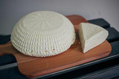 Продукцию под региональным брендом «Адыгейский сыр» проверит Роскачество.