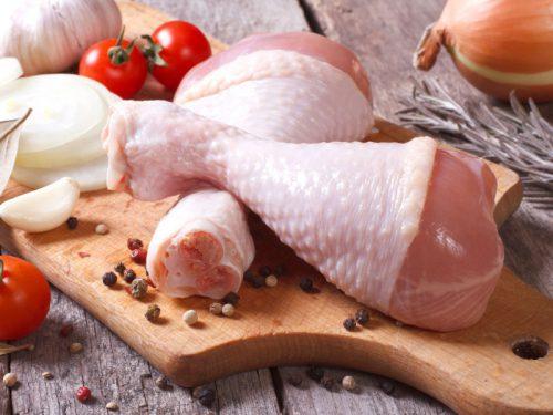 В некоторых регионах России свинина стала дешевле, чем мясо птицы