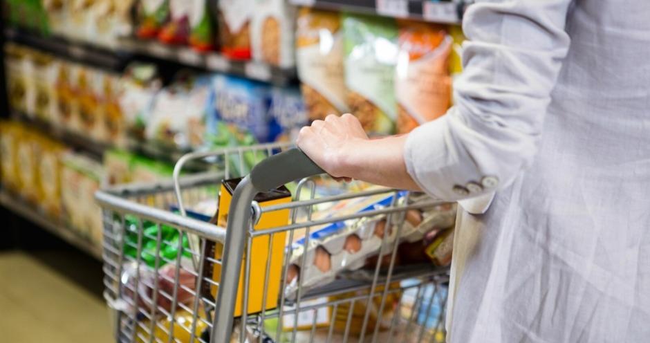 Поставщики требуют от ритейлеров повышения цен в третьем квартале