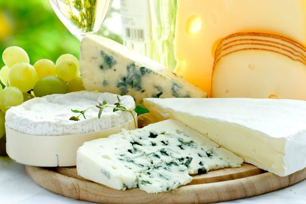 Свыше 10 наименований томских сыров вошли в 100 лучших товаров региона