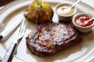 Казанские рестораторы рассказали о подорожании мяса в заведениях HoReCa